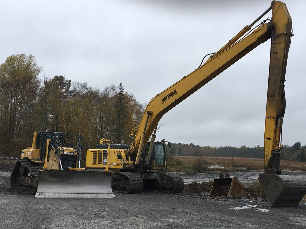 long arm excavator rental